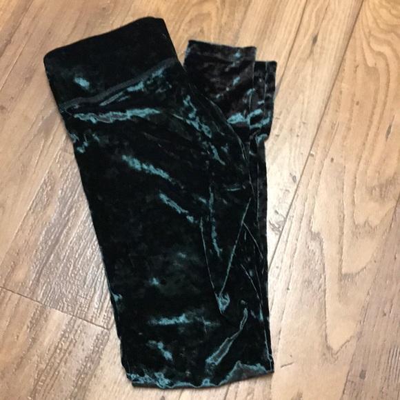 d2b9a8dc14f388 NWOT Victoria's Secret Crushed Velvet Leggings. M_5ad2476736b9deac17358dae